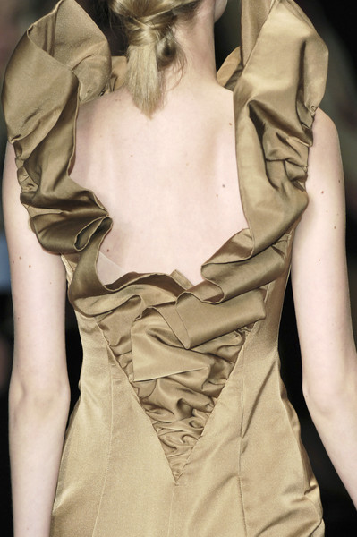 Giambattista Valli at Paris Fall 2006 (Details)