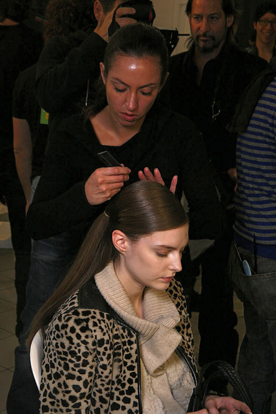 Giambattista Valli at Paris Fall 2011 (Backstage)