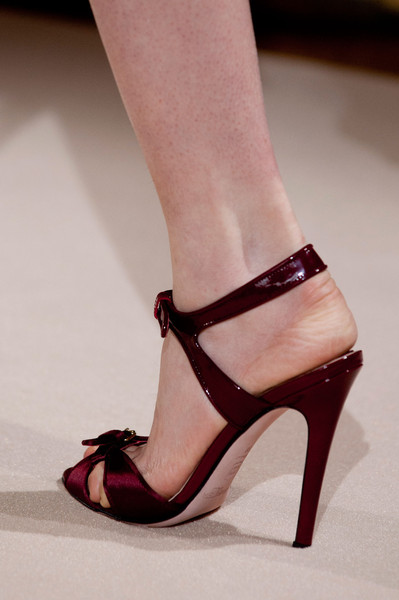 Giambattista Valli at Couture Fall 2012 (Details)