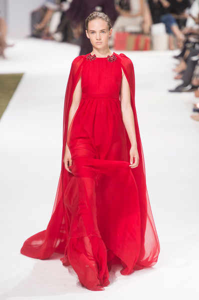 Giambattista Valli at Couture Fall 2016 [fashion model,clothing,fashion,fashion show,dress,red,haute couture,runway,formal wear,fashion design,dress,giambattista valli,couture fall,runway,clothing,haute couture,fashion,wear,fashion model,fashion show,giambattista valli,runway,fashion show,haute couture,fashion,dress,clothing,formal wear,autumn,cape]