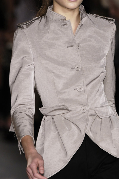 Giambattista Valli at Paris Spring 2006 (Details)