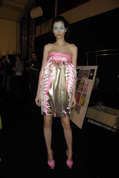 Giambattista Valli at Paris Spring 2008 (Backstage)