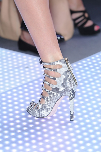 Giambattista Valli at Paris Spring 2012 (Details)