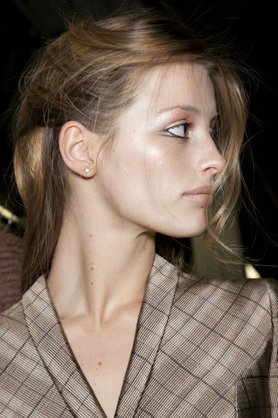 Giorgio Armani at Milan Fall 2011 (Backstage)
