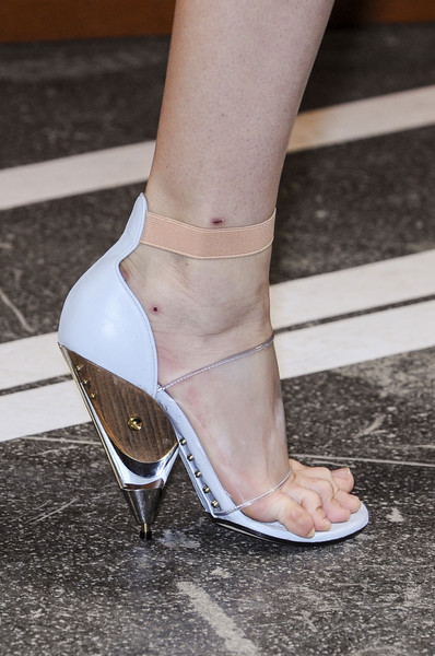 Givenchy at Paris Spring 2013 (Details)