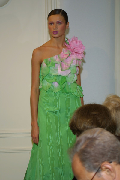 Hanae Mori at Couture Spring 2001 [couture spring 2001,clothing,shoulder,fashion,dress,green,fashion design,haute couture,gown,fashion show,hairstyle,gown,dress,hanae mori,supermodel,haute couture,fashion,model,fashion week,fashion show,hanae mori,fashion show,haute couture,fashion,runway,model,fashion week,supermodel,dress,gown]