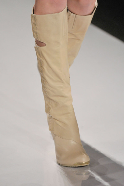 Hervé Léger by Max Azria at New York Fall 2011 (Details)