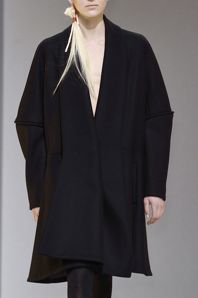 Hussein Chalayan at Paris Fall 2016 (Details) [clothing,outerwear,overcoat,fashion,coat,sleeve,neck,formal wear,duster,wrap,outerwear,hussein chalayan,overcoat,fashion,haute couture,model,clothing,sleeve,paris fashion week,fashion show,fashion show,haute couture,overcoat,fashion,model]