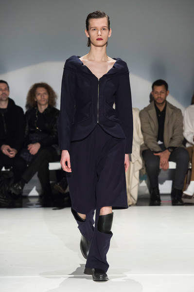Hussein Chalayan at London Fall 2019 [fashion show,fashion model,runway,fashion,clothing,fashion design,event,human,public event,footwear,leather jacket,hussein chalayan,fashion,runway,clothing,fashion week,haute couture,boot,london fashion week,fashion show,hussein chalayan,runway,fashion show,ready-to-wear,fashion,clothing,haute couture,boot,fashion week,leather jacket]