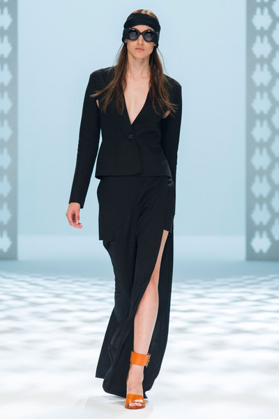 Hussein Chalayan at Paris Spring 2015