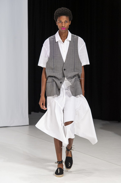 Hussein Chalayan at London Spring 2019 [runway,fashion show,fashion,fashion model,white,clothing,shoulder,fashion design,joint,neck,hussein chalayan,fashion,runway,fashion design,fashion week,spring,fashion model,london fashion week,fashion show,paris fashion week,hussein chalayan,runway,fashion show,london fashion week,paris fashion week,fashion week,fashion,spring,fashion design,summer]