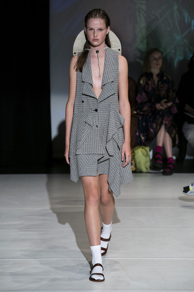 Hussein Chalayan at London Spring 2020 [fashion show,fashion model,fashion,runway,clothing,public event,fashion design,event,footwear,dress,hussein chalayan,fashion,runway,fashion week,model,clothing,london fashion week,fashion show,event,paris fashion week,london fashion week,hussein chalayan,runway,fashion show,fashion,fashion week,ready-to-wear,model,paris fashion week,spring]