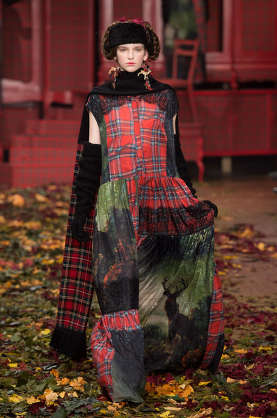 I M Isola Marras at Milan Fall 2015