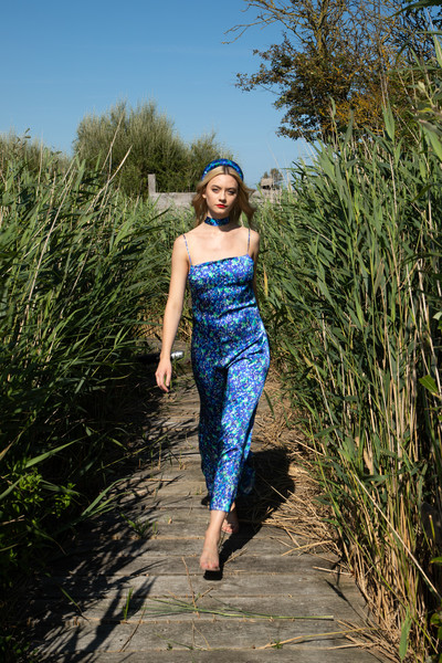 Isabel Manns at London Spring 2022 [sky,plant,leg,one-piece garment,people in nature,waist,thigh,street fashion,tree,trunk,dress,keyboard,isabel manns,tree,photo shoot,grasses,photography,beauty.m,plant,london fashion week,dress,photo shoot,grasses,beauty.m,lady m cake boutique,tree,meadow,summer,photography,model m keyboard]
