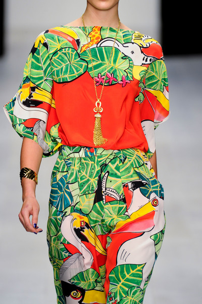 Issa at London Spring 2013 (Details)
