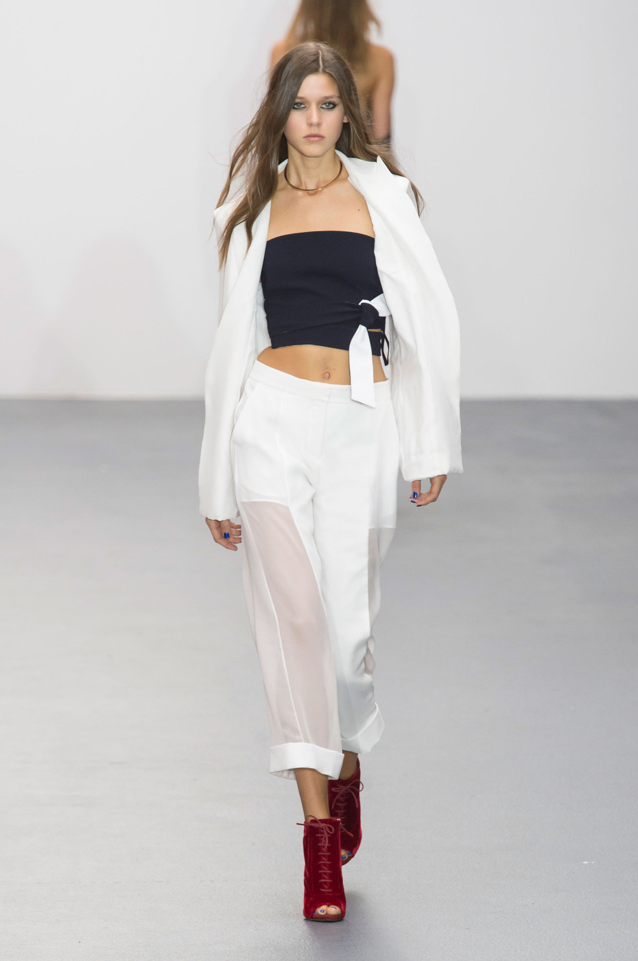 Issa At London Fashion Week Spring 2016 Livingly