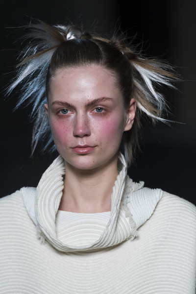Issey Miyake at Paris Fall 2018 (Details) [autumn,hair,face,fashion,hairstyle,eyebrow,beauty,chin,lip,blond,neck,issey miyake,fashion,haute couture,hairstyle,eyebrow,beauty,winter,chanel,paris fashion week,issey miyake,chanel,haute couture,fashion,ready-to-wear,autumn,winter,2018]