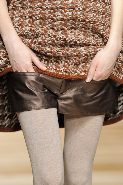 Kristina Ti at Milan Fall 2010 (Details)