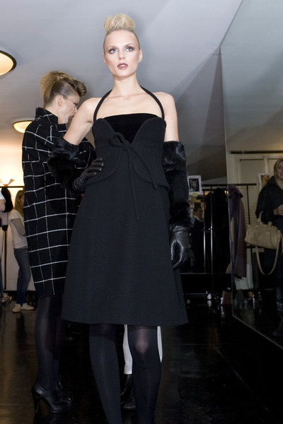 Krizia at Milan Fall 2009 (Backstage)