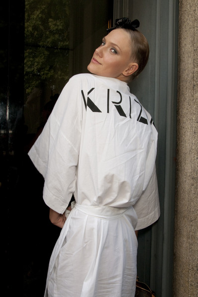 Krizia at Milan Spring 2010 (Backstage)