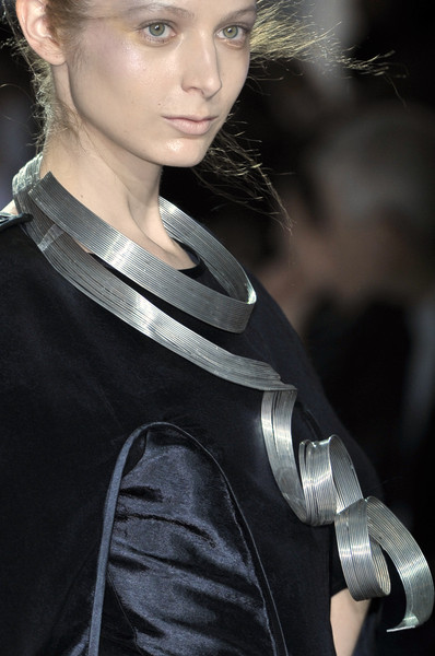 Lie Sang Bong at Paris Spring 2010 (Details)