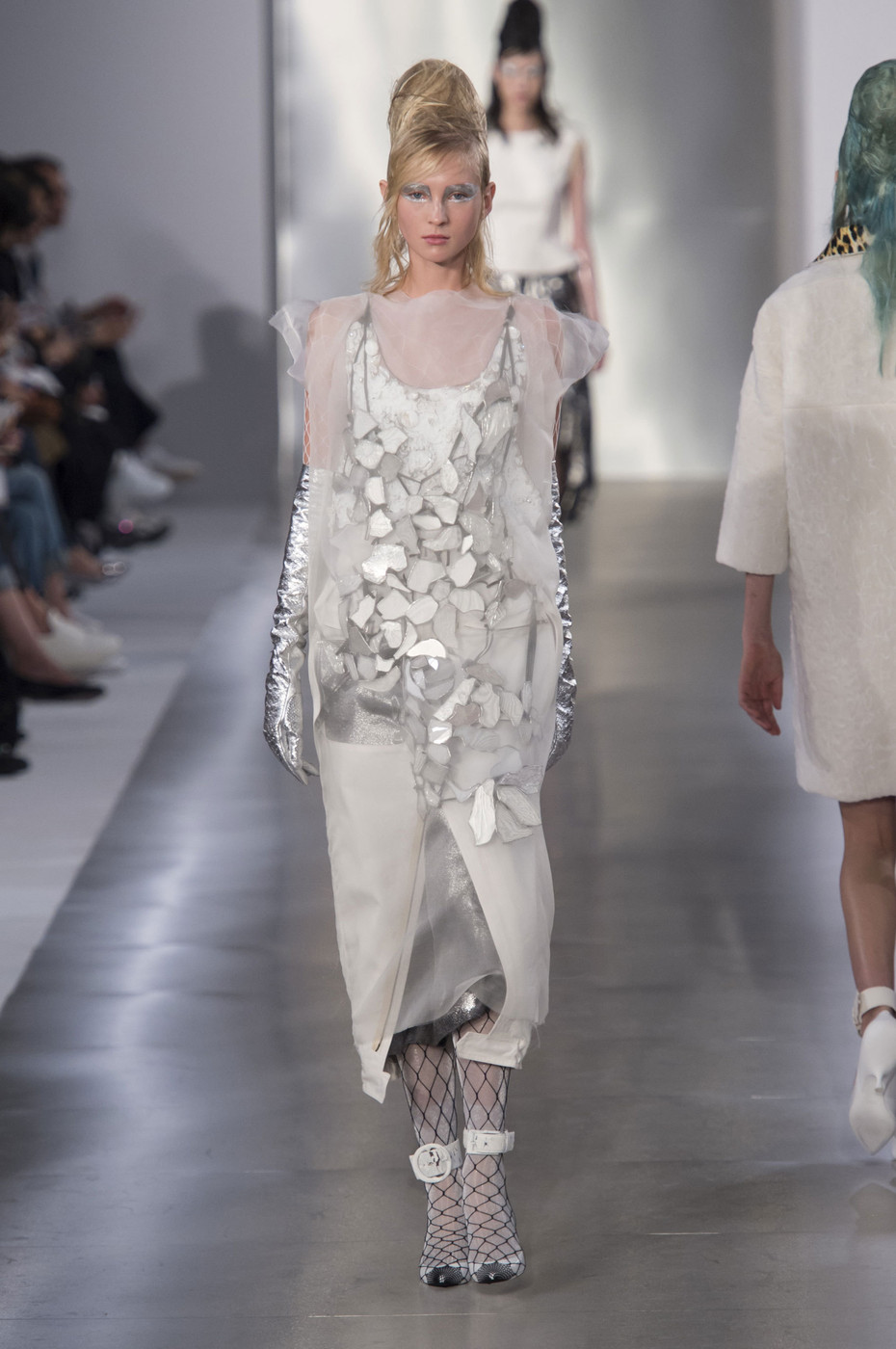 Maison margiela at paris fashion week spring 2016 livingly for Fashion maison