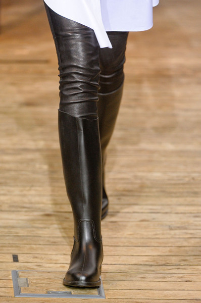 Maison Rabih Kayrouz at Paris Fall 2012 (Details)
