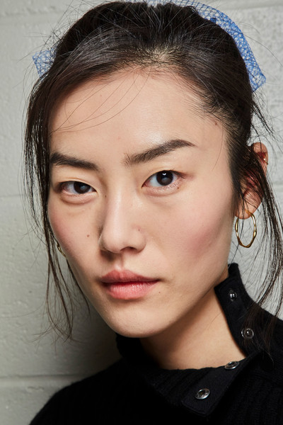 Marc Jacobs at New York Fall 2019 (Backstage) [face,hair,eyebrow,forehead,lip,chin,hairstyle,nose,cheek,beauty,supermodel,marc jacobs,beauty,fashion,fashion week,model,eyebrow,forehead,lip,new york fashion week,liu wen,beauty,fashion,supermodel,fashion week,model,chanel,new york fashion week,harpers bazaar]