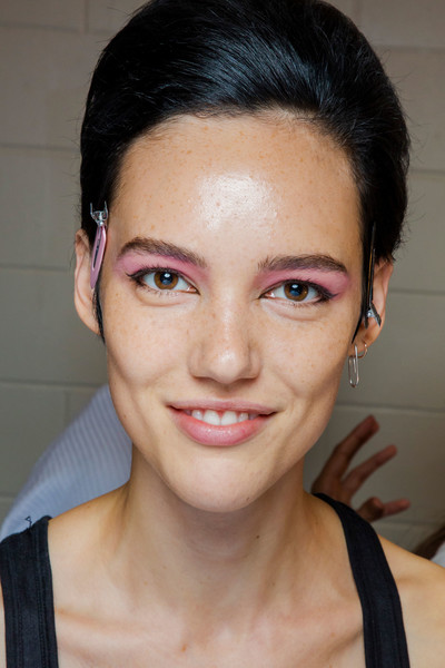 Marc Jacobs at New York Spring 2019 (Backstage) [photograph,face,hair,eyebrow,lip,forehead,cheek,chin,skin,hairstyle,nose,marc jacobs,hair,eye liner,history,rientammy,eyebrow,lip,art museum,new york fashion week,rientammy,photograph,eye liner,history,hair,tulare county office of education,art museum,peekyou,madame figaro]