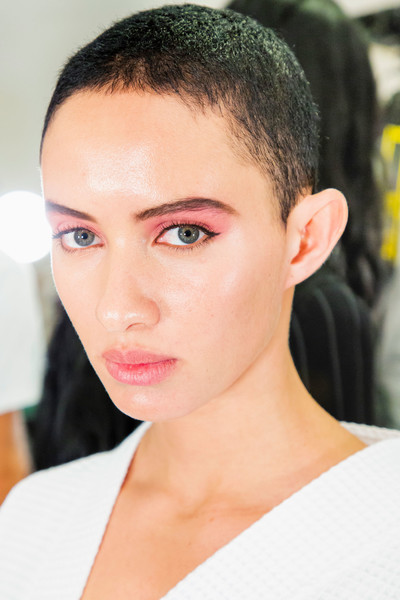 Marc Jacobs at New York Spring 2019 (Backstage) [hair,face,eyebrow,forehead,hairstyle,chin,lip,skin,head,beauty,marc jacobs,beauty,fashion,fashion week,runway,eye shadow,hairstyle,face,new york fashion week,fashion show,new york fashion week,fashion,runway,fashion week,fashion show,eye shadow,beauty,ready-to-wear,model]