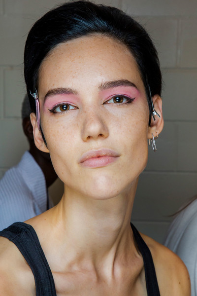 Marc Jacobs at New York Spring 2019 (Backstage) [face,eyebrow,hair,lip,cheek,chin,skin,nose,beauty,forehead,marc jacobs,madame figaro,beauty,forehead,spring,lip,hair,flat,new york fashion week,fashion show,beauty,ready-to-wear,fashion show,forehead,madame figaro,spring,summer,flat,lip,marc jacobs]