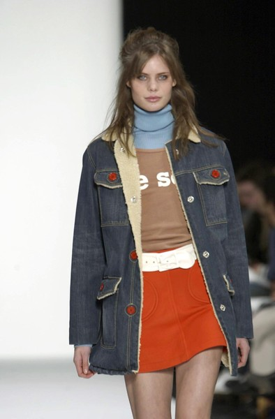 Marc by Marc Jacobs at New York Fall 2003 [fashion show,clothing,fashion,fashion model,denim,runway,jeans,outerwear,fashion design,jacket,jeans,marc,supermodel,socialite,denim,fashion,runway,model,new york fashion week,fashion show,runway,fashion show,model,fashion,supermodel,denim,socialite]