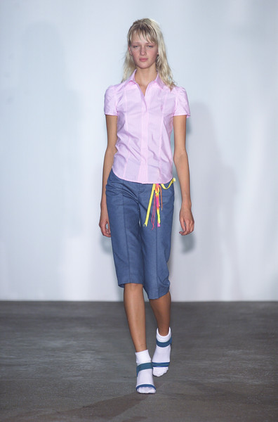 Marc by Marc Jacobs at New York Spring 2001 [clothing,shoulder,white,fashion,joint,fashion model,waist,standing,knee,footwear,jeans,shorts,supermodel,fashion,runway,purple,joint,fashion model,new york fashion week,fashion show,runway,t-shirt,fashion show,supermodel,fashion,jeans,shorts,purple,summer,shoe]