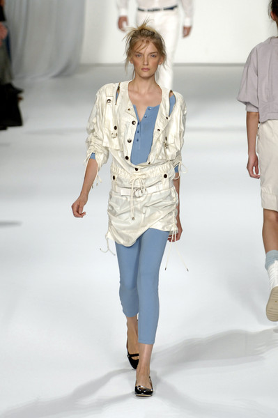 Marc by Marc Jacobs at New York Spring 2006 [fashion show,fashion model,fashion,clothing,runway,white,shoulder,jeans,fashion design,denim,jeans,marc by marc jacobs,supermodel,socialite,fashion,runway,model,clothing,new york fashion week,fashion show,runway,fashion show,model,fashion,supermodel,socialite,jeans,marc jacobs]