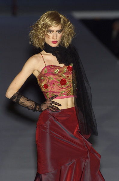 Mariella Burani at Milan Fall 2001
