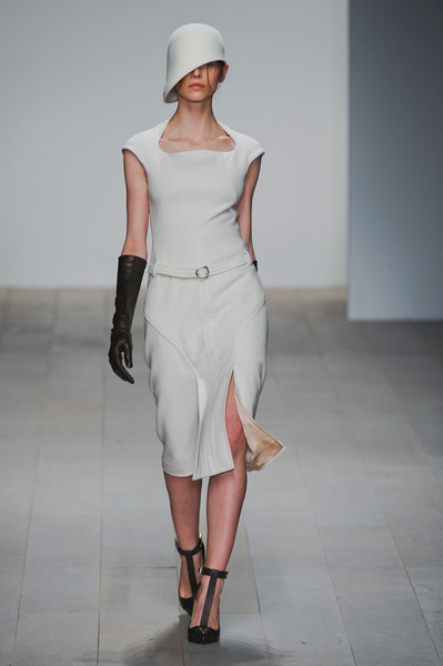 Marios Schwab at London Fall 2012