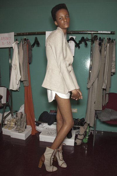 MaxMara at Milan Spring 2010 (Backstage)