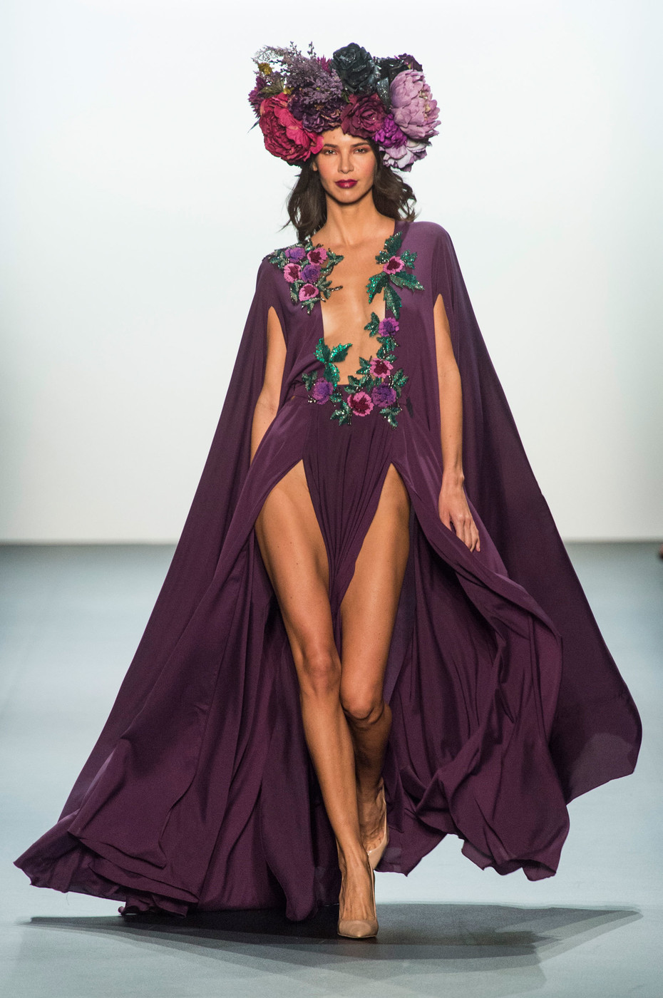 Michael Costello Spring 2017 Runway Pictures - Livingly