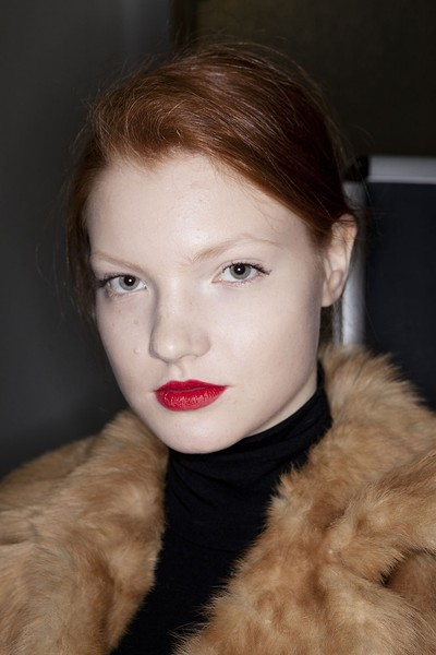Mila Schön at Milan Fall 2012 (Backstage)