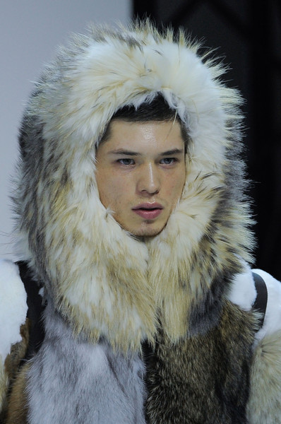 Moncler Gamme Rouge at Paris Fall 2013 (Details)