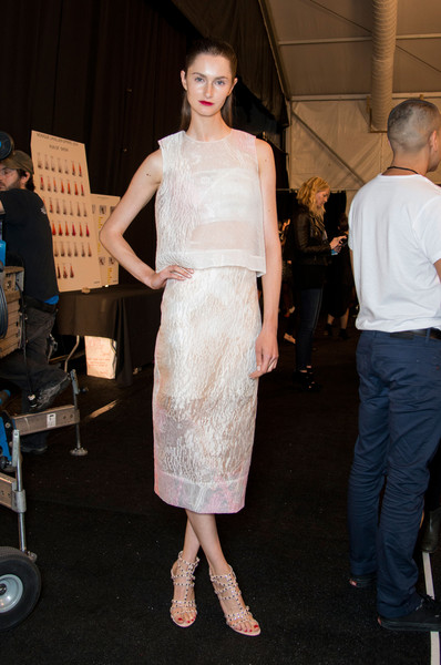 Monique Lhuillier at New York Spring 2014 (Backstage)