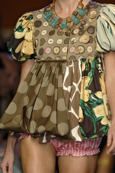 Moschino Cheap & Chic at Milan Spring 2007 (Details)