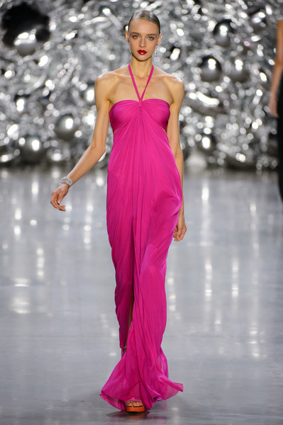 Naeem Khan at New York Spring 2019 [fashion model,fashion,fashion show,clothing,dress,shoulder,runway,pink,haute couture,gown,naeem khan,fashion,runway,fashion week,spring,model,haute couture,clothing,new york fashion week,fashion show,naeem khan,new york fashion week,fashion show,runway,fashion,fashion week,ready-to-wear,spring,model,haute couture]