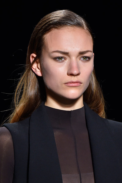 Narciso Rodriguez at New York Fall 2015 (Details) [hair,face,eyebrow,hairstyle,fashion,beauty,lip,cheek,chin,fashion model,narciso rodriguez,fashion,fashion week,model,runway,clothing,haute couture,ich,beauty,new york fashion week,fashion,model,haute couture,runway,fashion week,clothing,ich will nur]