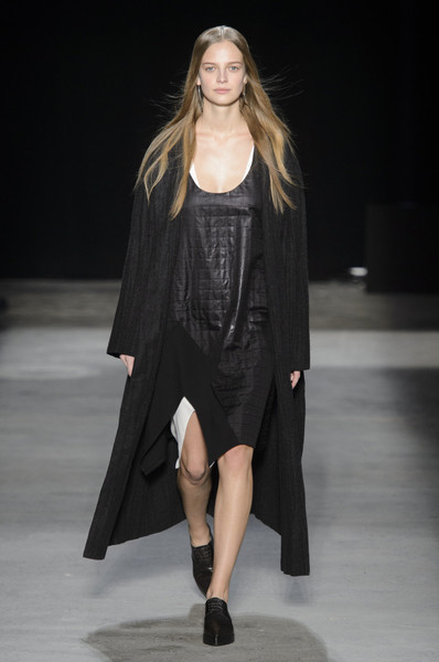 Narciso Rodriguez at New York Fall 2016 [fashion show,fashion model,runway,fashion,clothing,outerwear,shoulder,public event,event,long hair,outerwear,supermodel,narciso rodriguez,runway,fashion,model,clothing,new york fashion week,event,fashion show,runway,paris fashion week,fashion,autumn,fashion show,supermodel,model,winter,harpers bazaar]