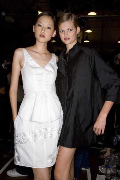 Narciso Rodriguez at New York Spring 2008 (Backstage) [hip hop music,white,clothing,fashion,dress,beauty,cocktail dress,haute couture,event,formal wear,fashion design,narciso rodriguez,fashion,fashion week,model,red carpet,celebrity,white,new york fashion week,fashion show,beyonc\u00e9,solange,celebrity,fashion show,fashion,model,red carpet,fashion week,hip hop music]