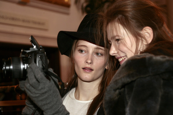Nicole Farhi at London Fall 2007 (Backstage)