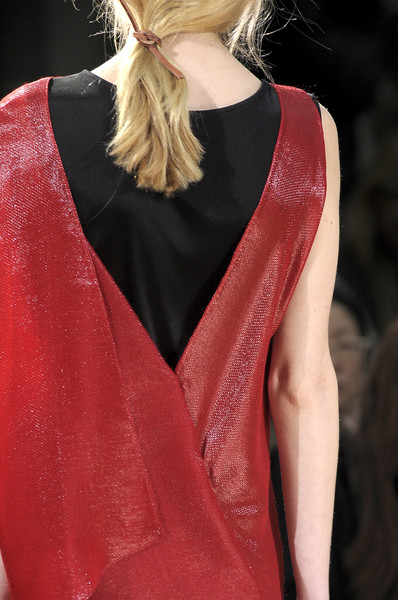Nicole Farhi at London Fall 2010 (Details)