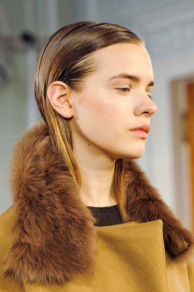 Nicole Farhi at London Fall 2014 (Details) [hair,fur,hairstyle,fashion,ear,beauty,eyebrow,lip,fur clothing,long hair,supermodel,nicole farhi,hair,hair,fur clothing,fur,brown hair,clothing,beauty,london fashion week,long hair,fur clothing,ponytail,brown hair,supermodel,clothing,hair,fur,brown,beauty.m]