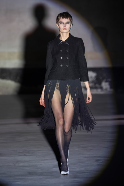 No. 21 at Milan Fall 2021 [runway,flash photography,sleeve,waist,thigh,knee,black hair,fashion design,blazer,little black dress,dress,runway,fashion,model,haute couture,vogue,runway,collection,milan fashion week,fashion show,fashion show,fashion,model,ready-to-wear,haute couture,vogue,collection runway,a.w.a.k.e.,runway,dress]